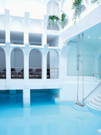 The sanctuary covent garden spa in london visitor 39 s guide for Covent garden pool table